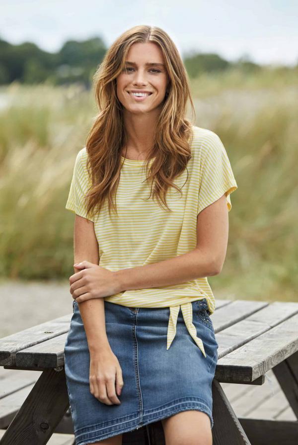 knot-top-211569-skirt-211640